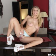 thumbs bmf13227064 Natalia Starr   Big Mouthfuls