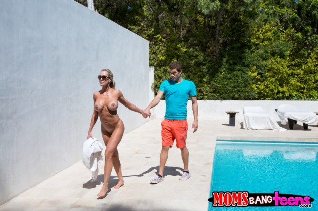 brandi 074 631x420 Natalia Starr, Brandi Love   Moms Bang Teens (Mrs Conduct)